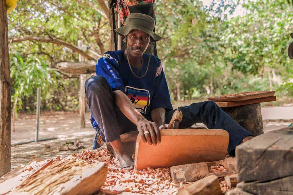 Mallang wood carver