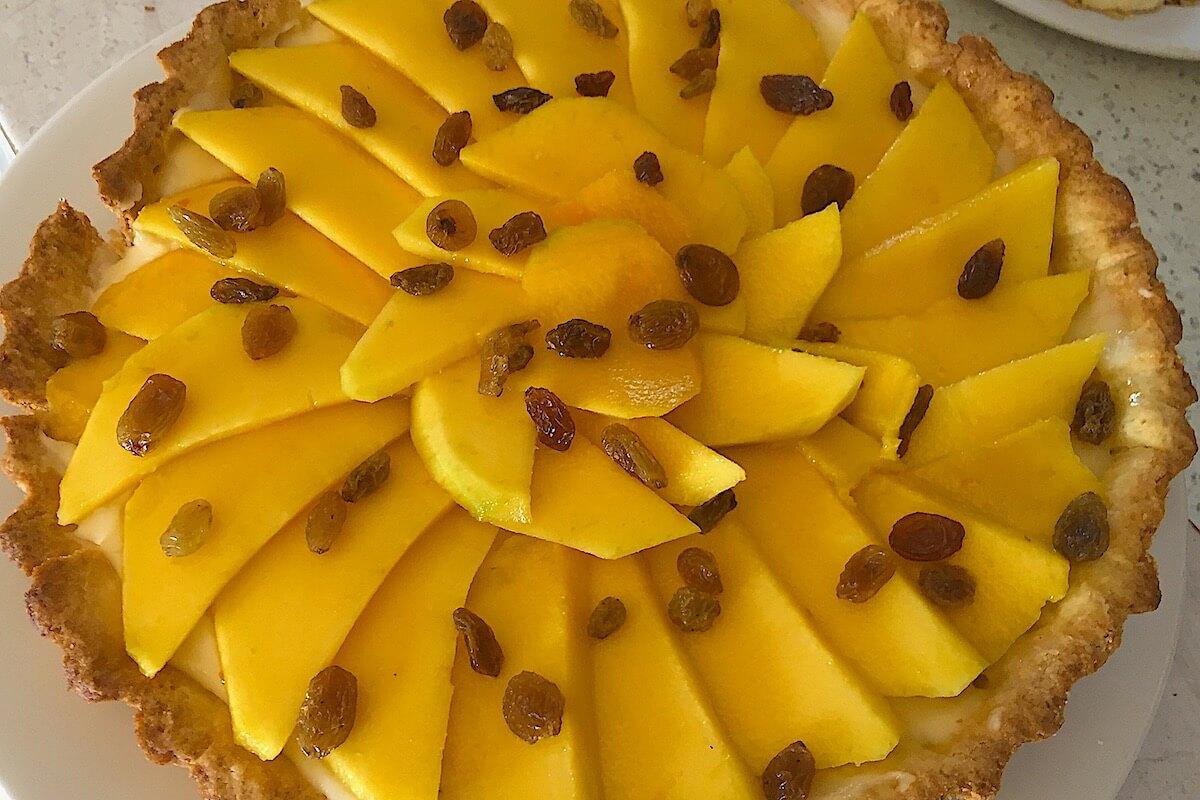 Mango Flan mit Rosinen