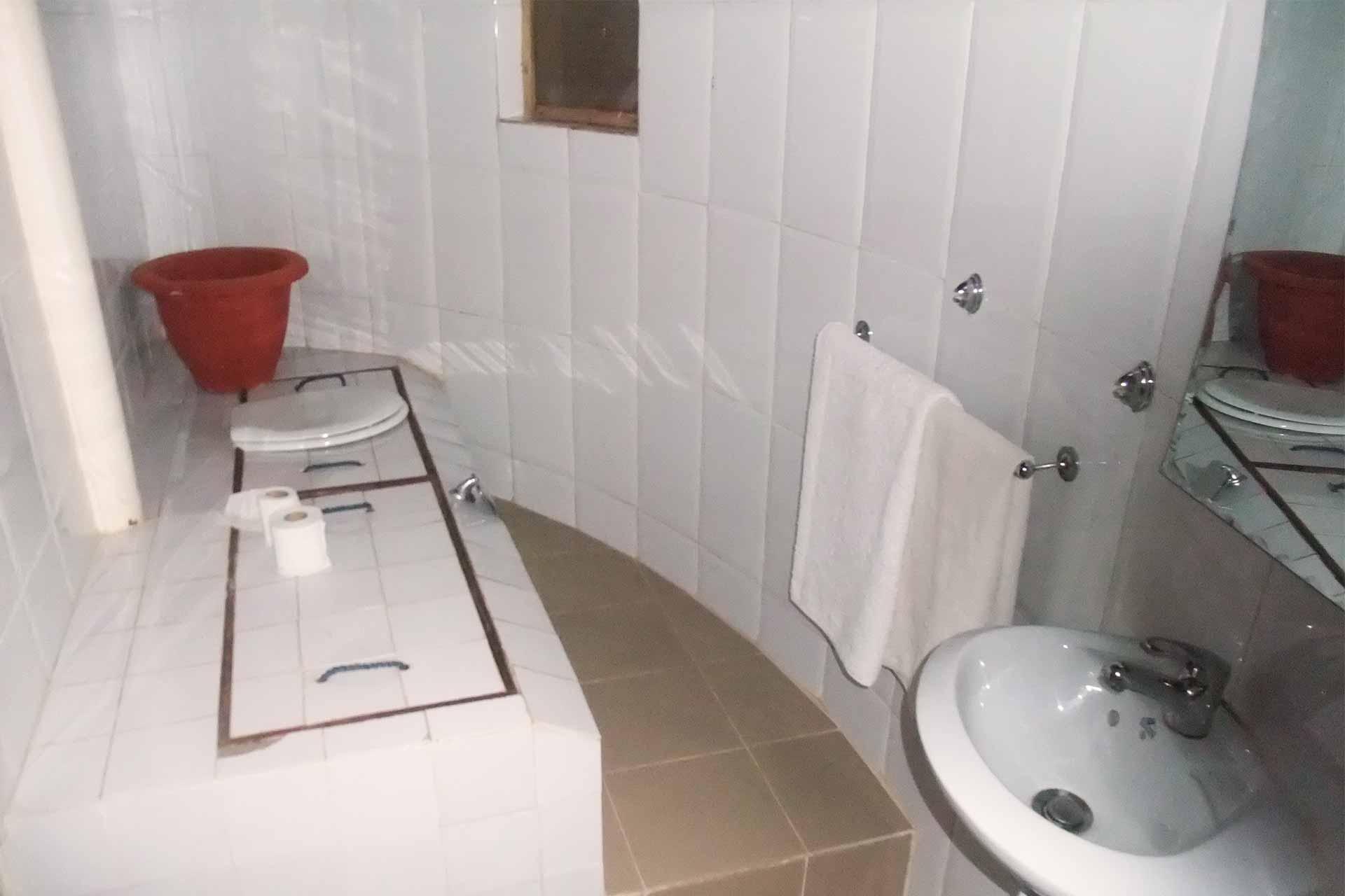 Bathroom accommodation | interior | ensuite bathroom