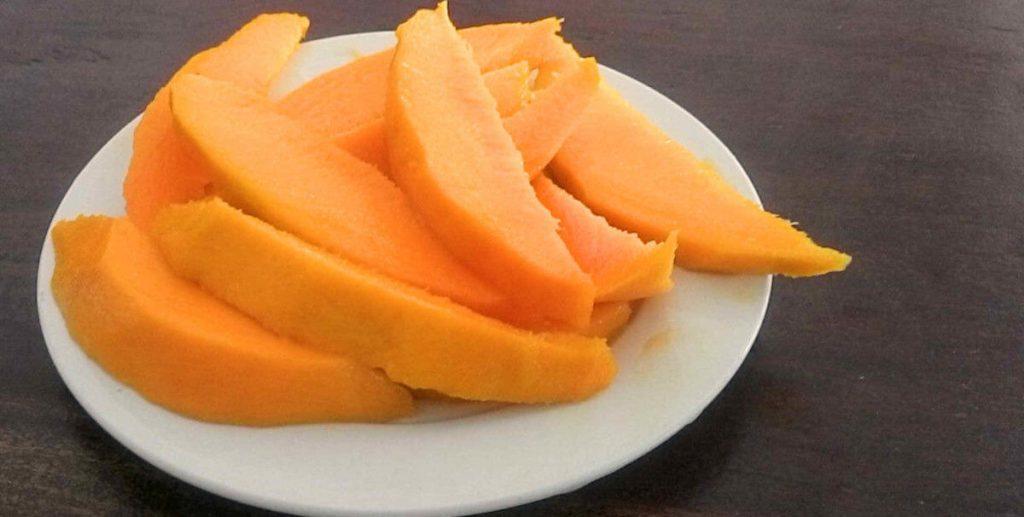 Footsteps eco-lodge Gambia   Fresh mango